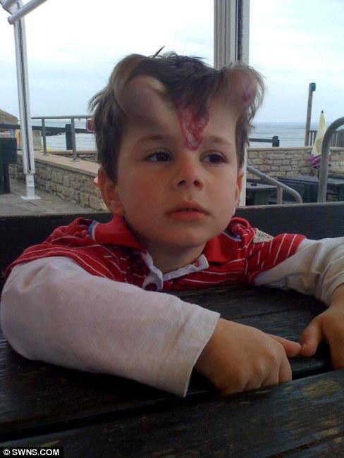 Мальчик с рожками